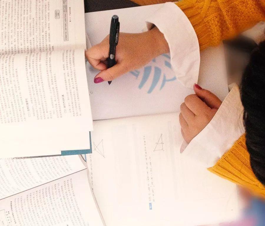 ACCA考试一年通过ACCA 7科,90后上财金融硕士学习状态